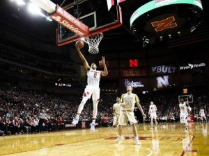 Huskers men snap 7-game losing streak in win over Minnesota