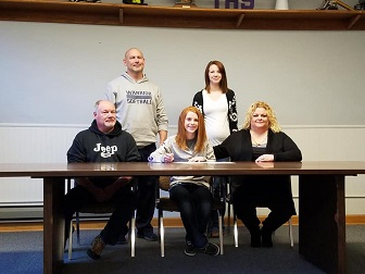 (AUDIO) Tekamah-Herman's Reusch signs with Midland Softball