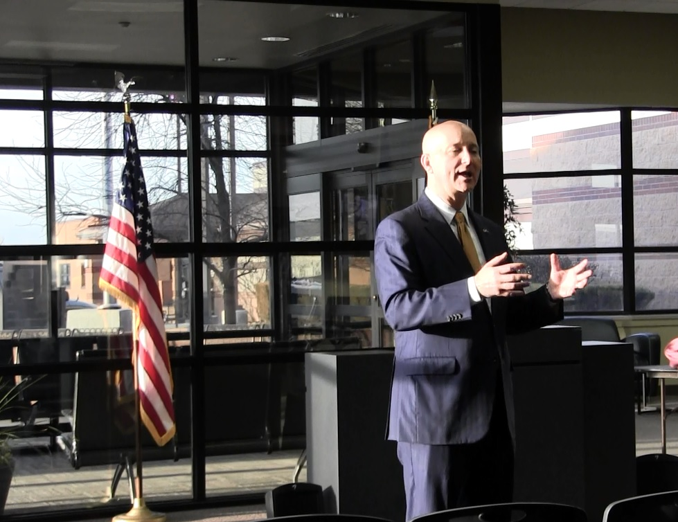 Ricketts promoting bill giving income tax break to veterans