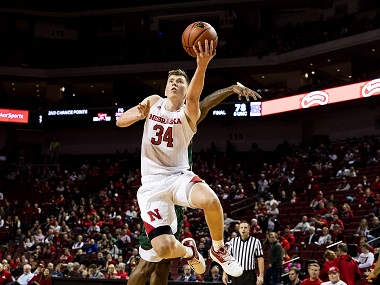 Huskers' woes continue in loss to Badgers
