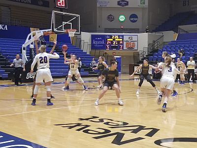 Lopers Split With Missouri Western