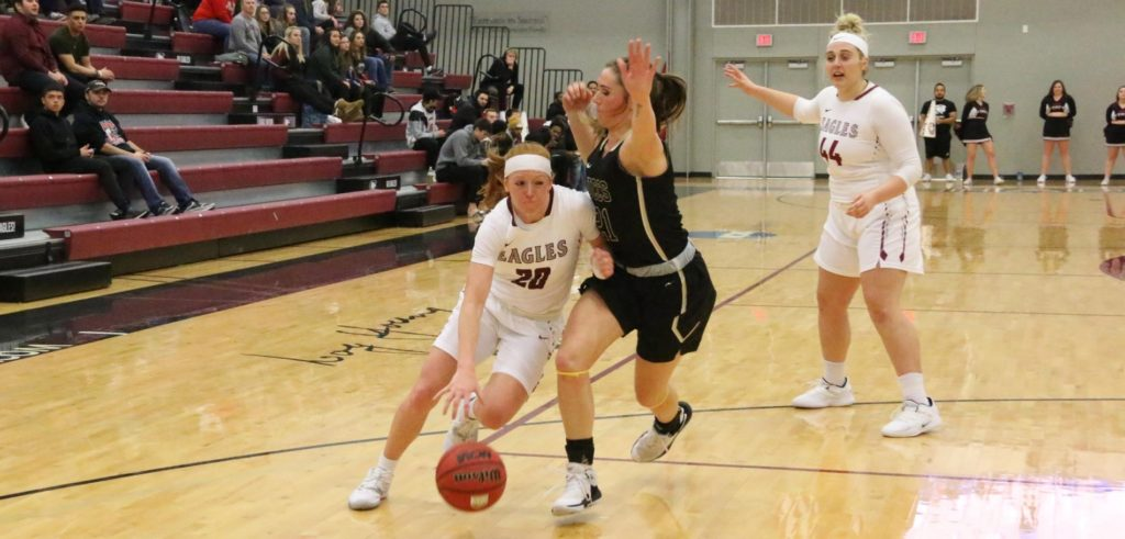 Eagles lose third straight on late basket