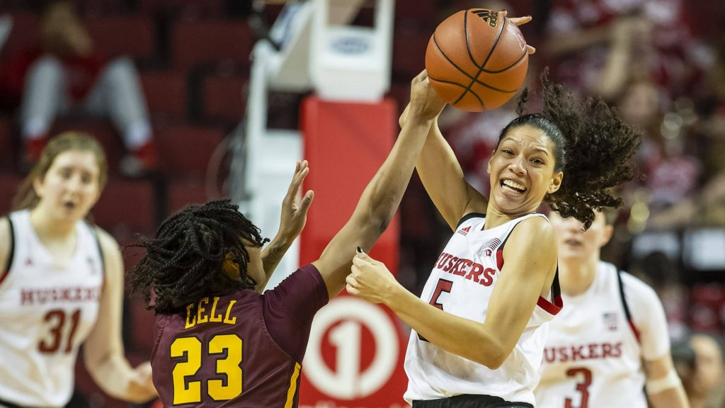 Huskers Surge Past No. 23 Minnesota, 63-57