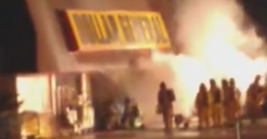 Aurora firefighters battle blaze at Dollar General store