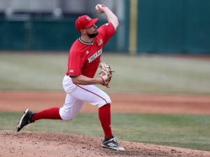 Huskers split doubleheader at UC Riverside