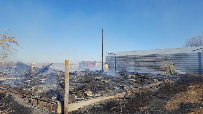 Fire destroys barn between Cozad & Lexington