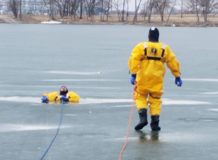 Cozad responders receive ice rescue equipment