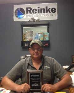 Reinke Recognizes Carlson Irrigation Technician with PLUS Program Longevity Award