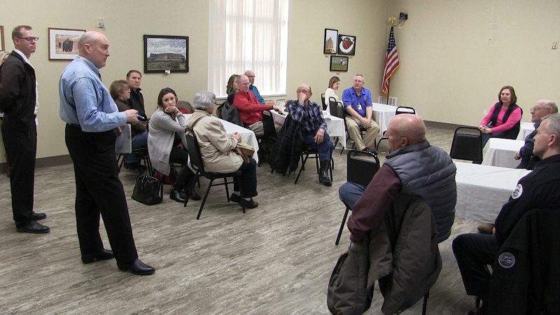 Sen. Fischer discusses disaster with ag producers, local officials