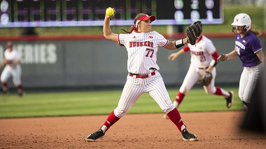 Nebraska Softball loses to Northwestern