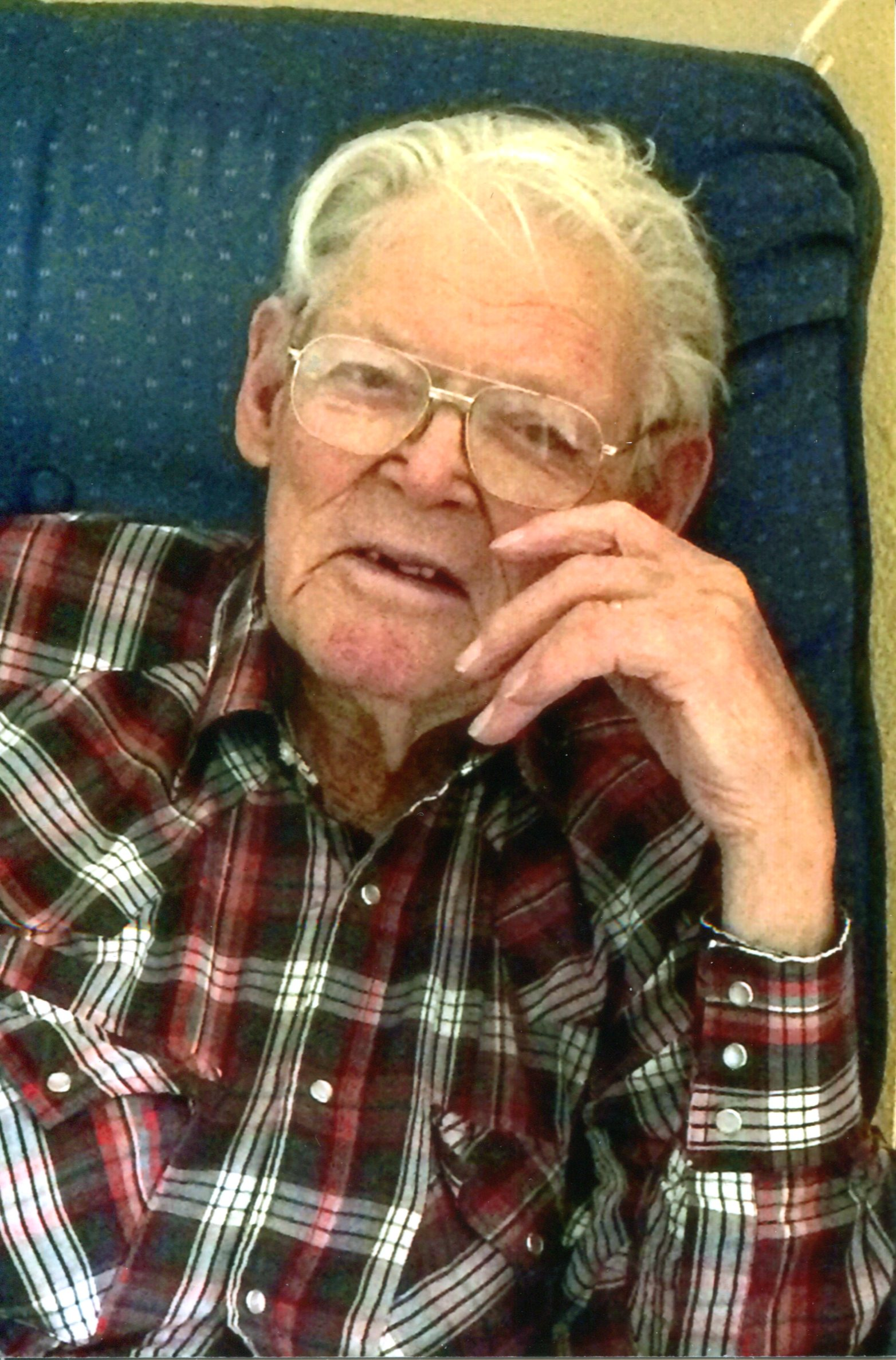 Kenneth Virgil Schleicher, 95, Scottsbluff, formerly of Gering