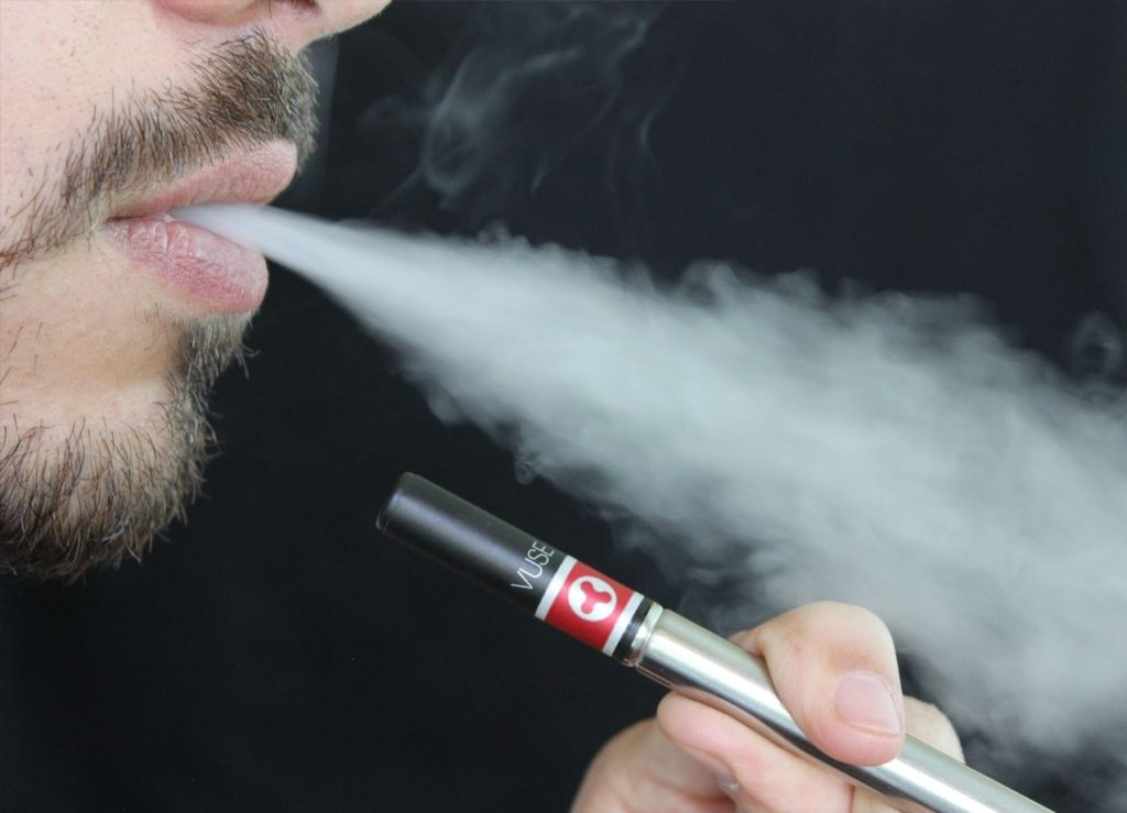 Nebraska moves toward age limit of 19 for e-cigarettes