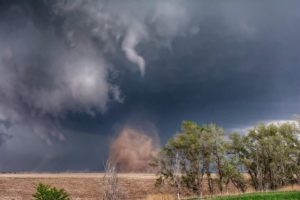 (Audio) 10 tornadoes sweep through Nebraska Friday
