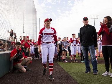 Huskers fall in regular season finale to Badgers