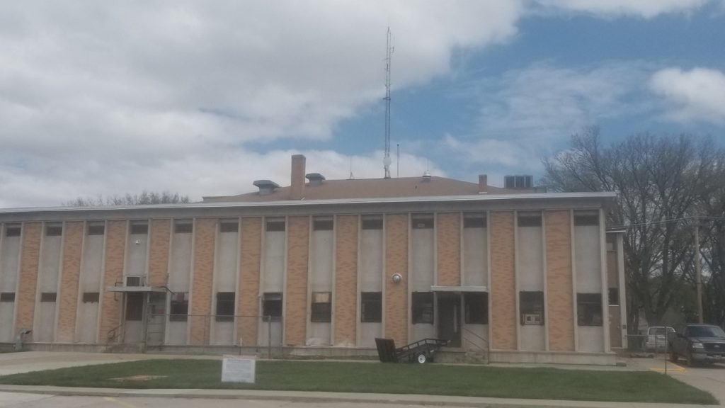 Gering Planning Commission recommends against permit for new County communications tower