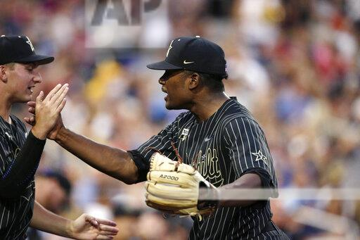 Vandy knocks off Michigan to even up CWS Finals