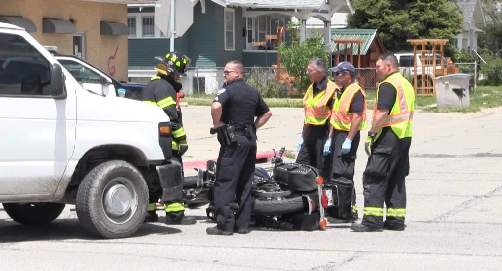 Scottsbluff man sustains leg injury during van v. motorcycle accident