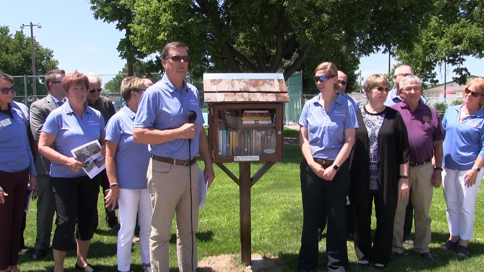 Scottsbluff/ Gering Rotary Club unveils Little Free Libraries