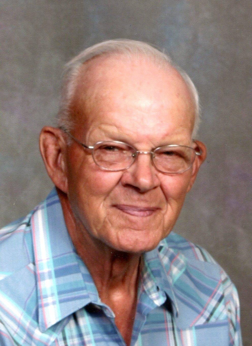 "Clarence ""Stub"" William Pyle, 90, Scottsbluff"