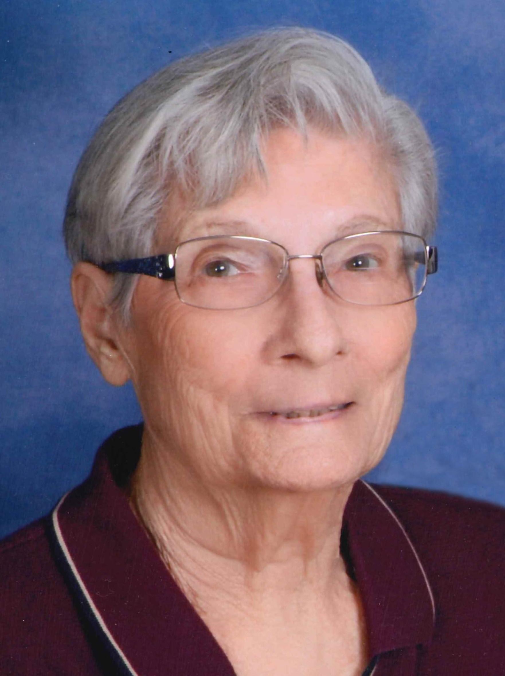 Carolyn Maxine Reddish, 94 years of age, of Holdrege