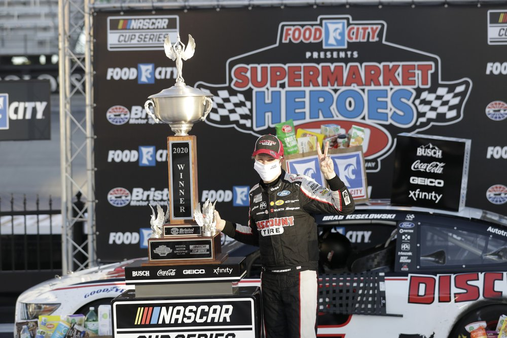 Another win falls into Keselowski's lap in final moments