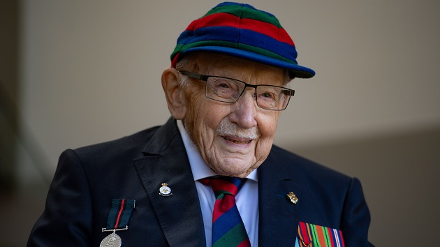 UK claps in tribute to Sir Thomas Moore, WWII vet who inspired country amid COVID