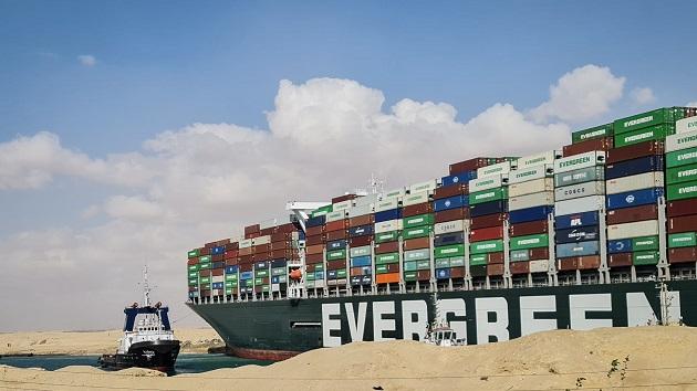 Economic concerns mount as Suez Canal impasse drags on