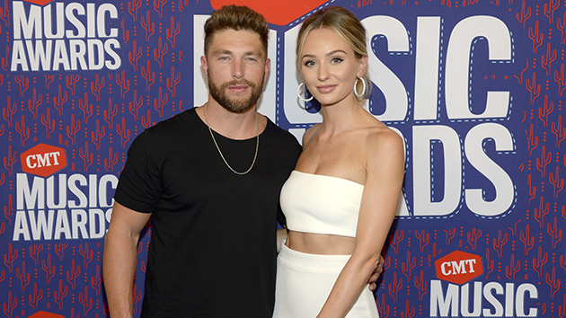 "Chris Lane reveals he ""blacked out"" when proposing to wife Lauren Bushnell"