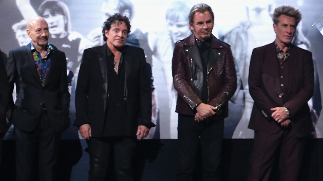 "Journey reaches ""amicable settlement"" in legal battle with ex-members Ross Valory and Steve Smith"