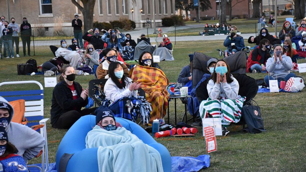 What March Madness looks like on college campuses during the pandemic