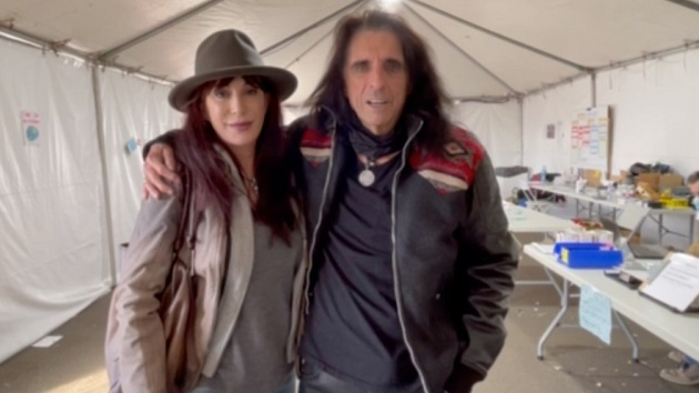 Alice Cooper gets COVID-19 vaccine, encourages fans to do the same