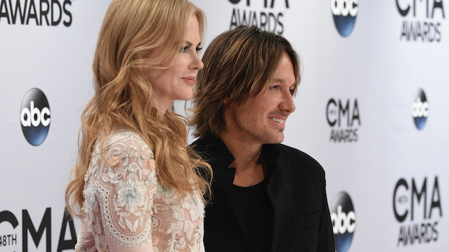 "Keith Urban explains the bizarre opera incident that resulted in Nicole Kidman being ""whacked"" with a program"