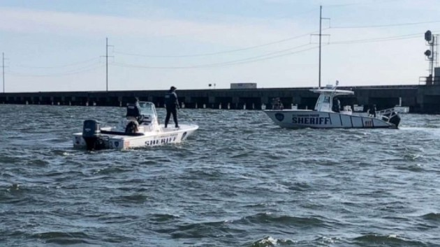 One person dead, four rescued after boat slams into drawbridge near New Orleans