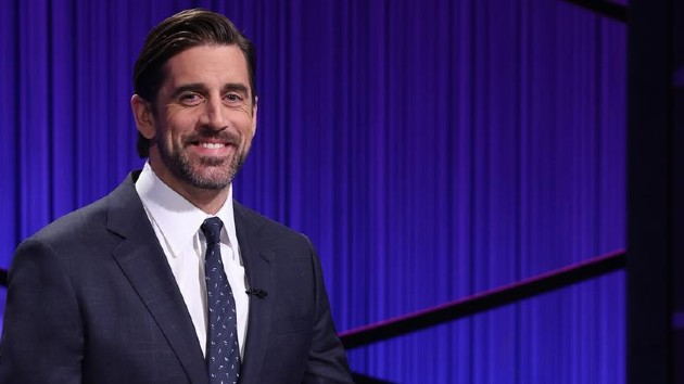 Aaron Rodgers salutes Alex Trebek during 'Jeopardy!' guest hosting debut