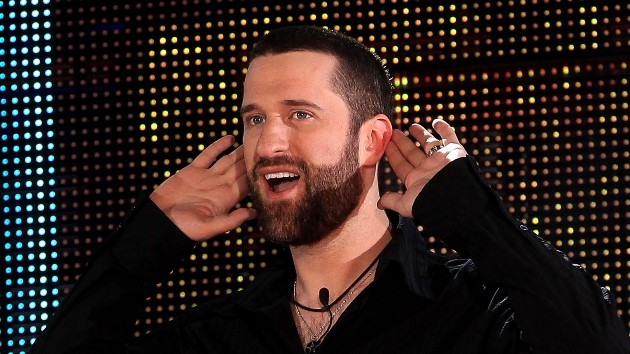 """Dustin Diamond, """"Screech"""" from 'Saved by the Bell', dead of cancer at 44"""