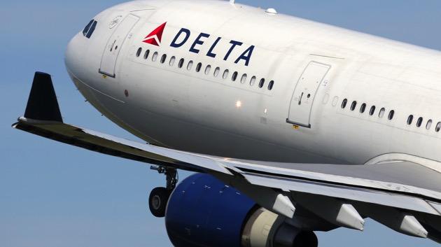 Delta to continue blocking seats, restricting capacity through April