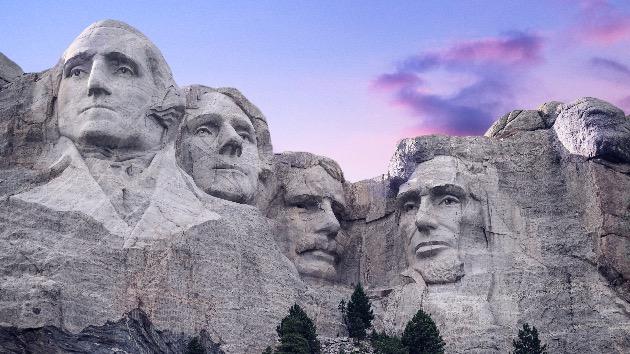Wildfires force evacuations, shut down Mount Rushmore Memorial National Park