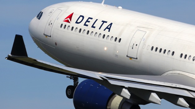 Delta to serve new canned cocktails, mini-sodas, snacks and more starting April 14