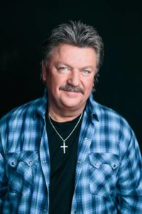 Joe Diffie to Headline Sutherland Rodeo Concert @ Sutherland Rodeo