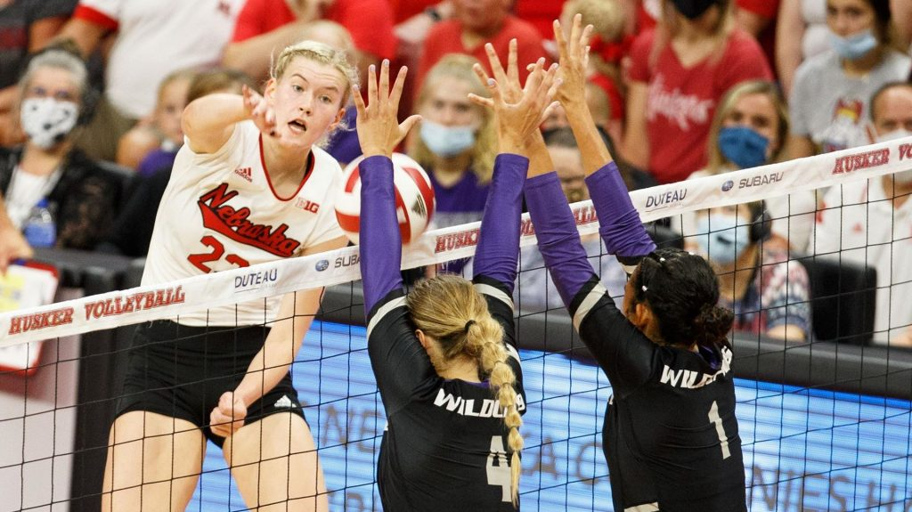 Huskers fall to Utah in five sets