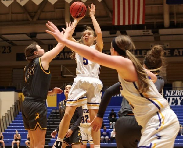 Several Lopers Honored By MIAA