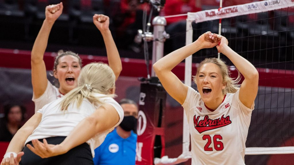 Huskers Named To All Region Team
