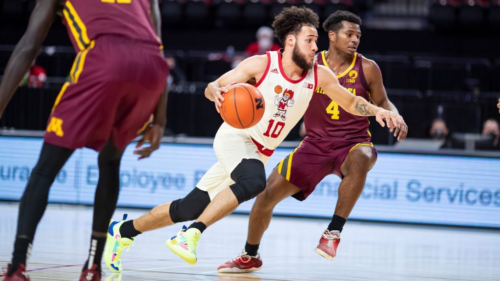 Huskers fall in final seconds at Northwestern