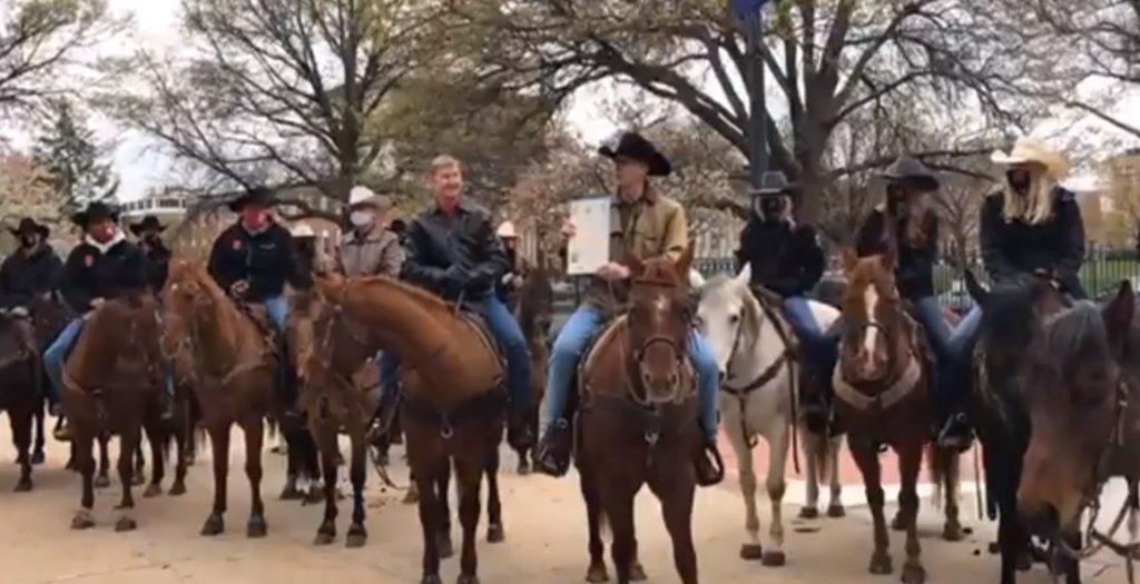 Gov. Ricketts Proclaims Rodeo Week on Horseback