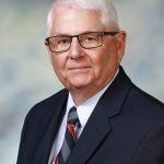 Fourth-generation rancher, farmer receives Distinguished Alumni Award from UW