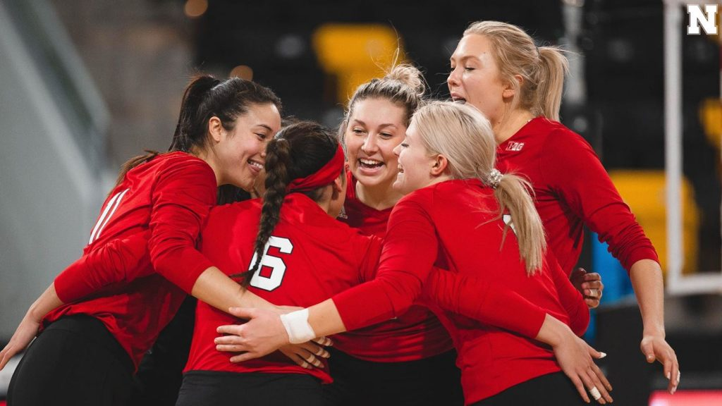 Huskers drop second straight match at Stanford
