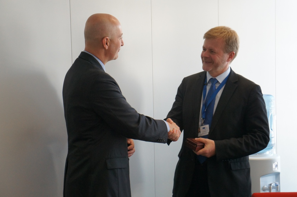RRN's Jesse Harding. Governor Ricketts thanks Arūnas Vinčiūnas, Head of Cabinet with Health and Food Safety, for taking time to talk to the Nebraska Delegation.