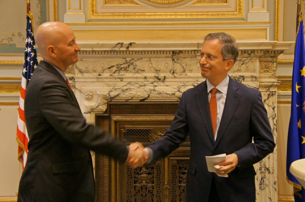 RRN's Jesse Harding. Governor Pete Ricketts thanks Ambassador Anthony Luzzatto Gardner for hosting dinner.