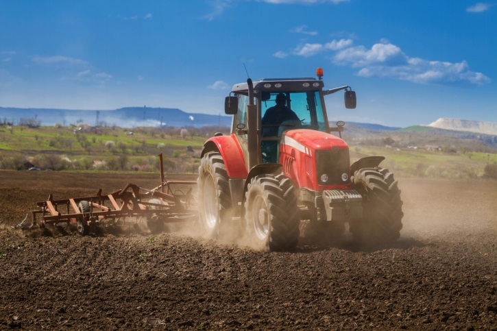 UNMC, Nebraska Extension offer tractor safety course to teens across Nebraska in May/June