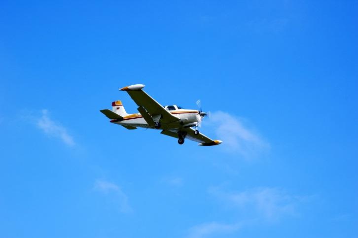 Plane makes emergency landing in Omaha neighborhood